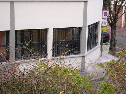 Des barreaux aux fen tres jean jacques birg for Barreaux de fenetre